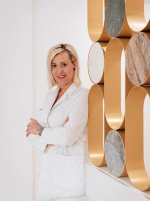 Γυναικολόγος Χειρουργός Μαιευτήρας ~ Γκορίλα Γεωργία